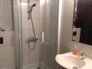 Prysznic z WC na IV piętrze - strona prawa